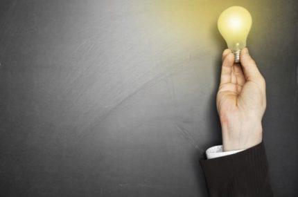 iStock_000019655730_hand-lightbulb